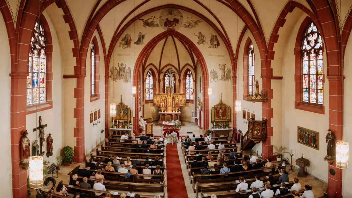 farbenfroh, Kirche, Altar, Kirchenschiff, Hochzeit, Zeremonie, Pfarrkirche Sankt Sebastian, St. Sebastian, Wenigumstadt