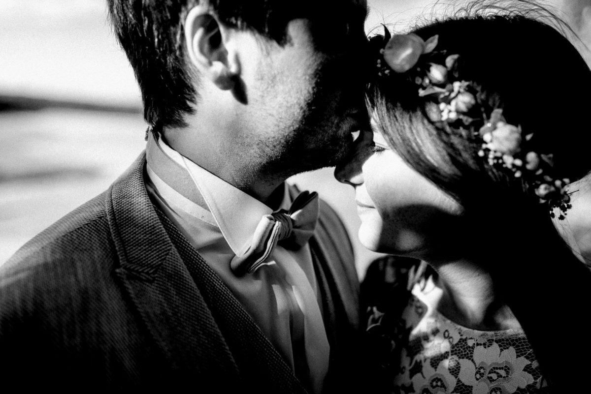 tiefe Liebe, Brautpaar, Mann, Frau, Kuss, Hauch, Sonne, heiraten, Hochzeit