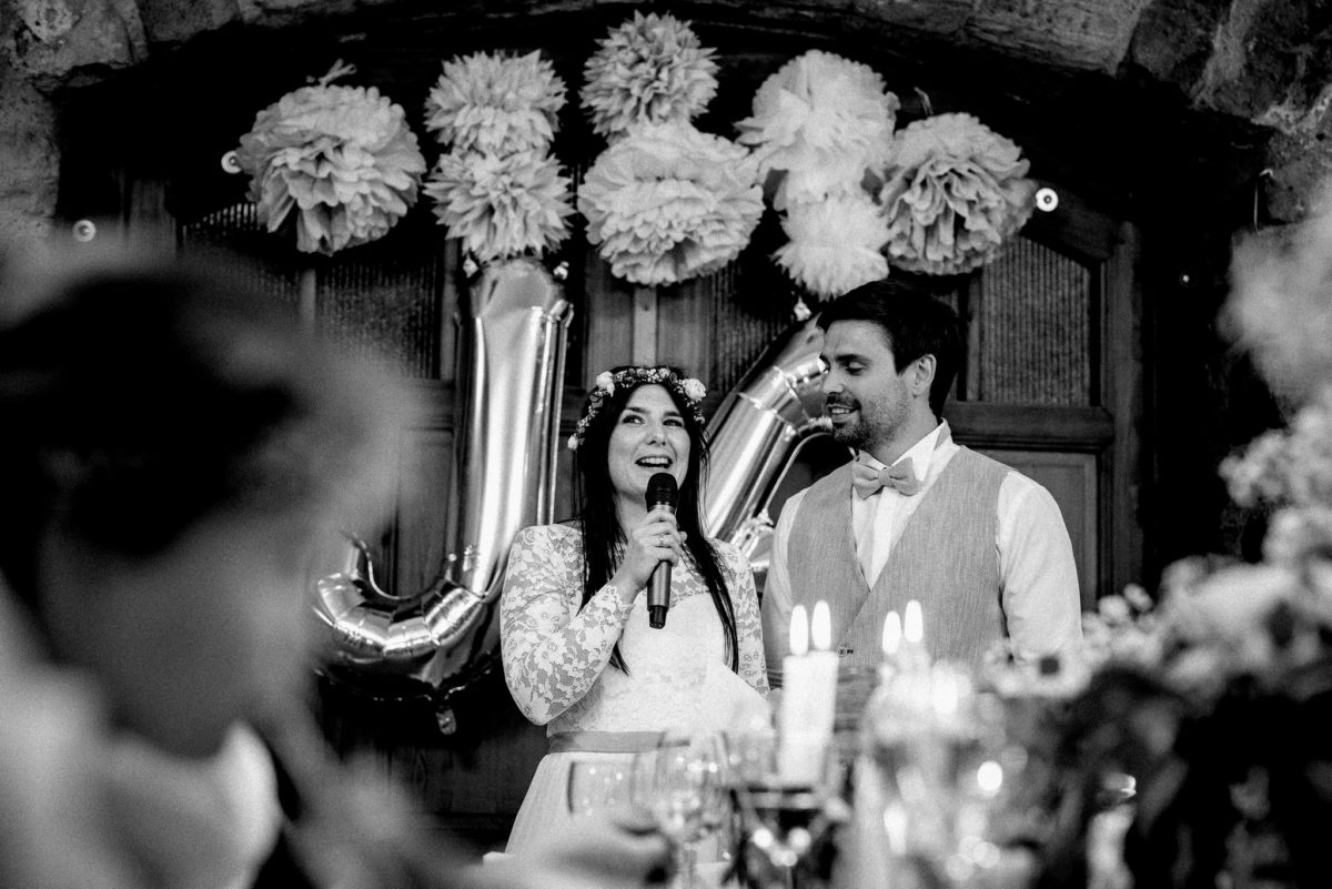 Ansprache, Rede, Brautpaar, Kerzen, Flammen, Blumen, Gläser