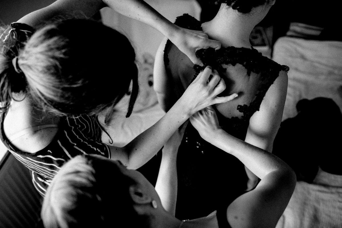 Brautkleid, schwarz, zuknöpfen, Braut, Frauen, Streifen, Hände