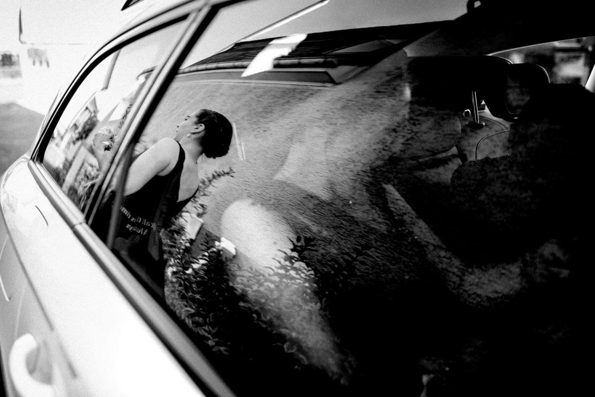 Fenster, Spiegelung, Braut, Kleid, schwarz, Haare, Auto