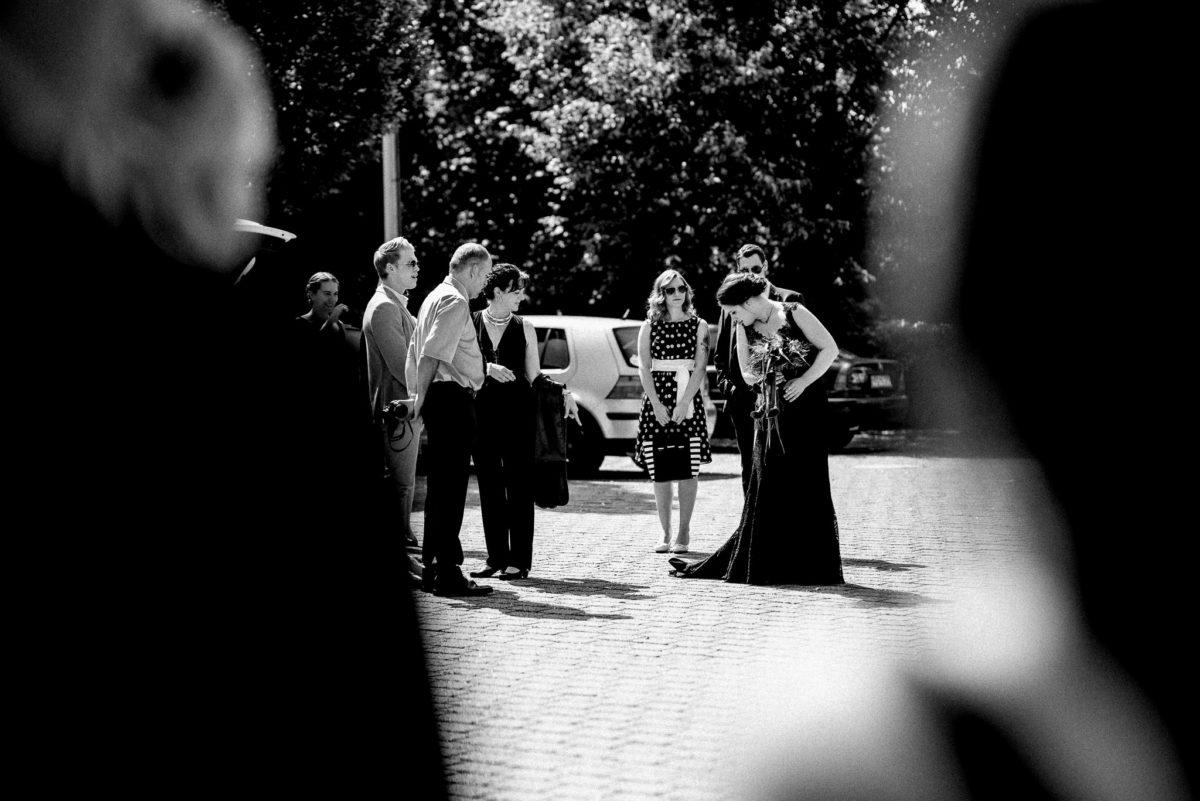 Braut, Gäste, Brautkleid, Brautstrauß, Punkte, Schleife, Schleppe
