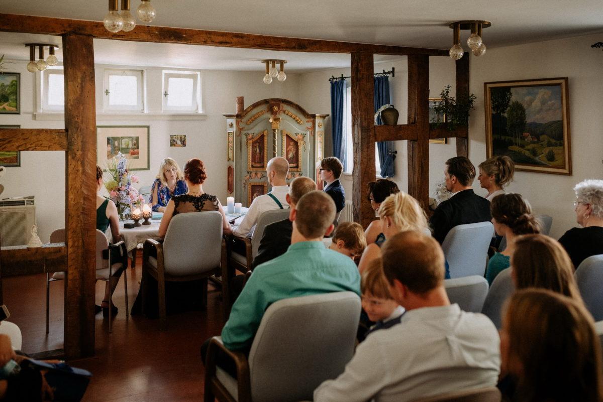 Spitze, Kleid, Brautkleid, Trauzimmer, Hofhut Hechler, Alsbach-Hähnlein, Balken, Schrank, Gäste