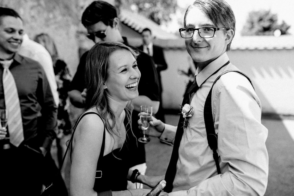 Lachen, Freunde, Hochzeit, Sektempfang