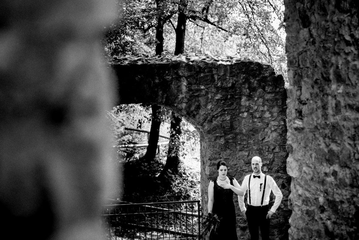 Rundbogen, Hochzeit, Brautpaar, Hochzeitsfotografie, Schloss Auerbach, Bensheim, Darmstadt, Hochzeitslocation, Feierlocation