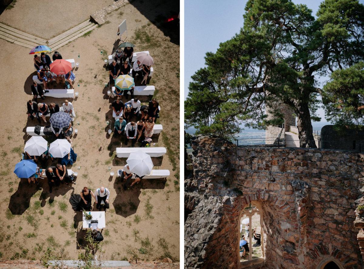 Drohne ,Bild von oben, Luftaufnahme, Sonnenschirme, Brautpaar, Schloss Auerbach, Bensheim, Darmstadt