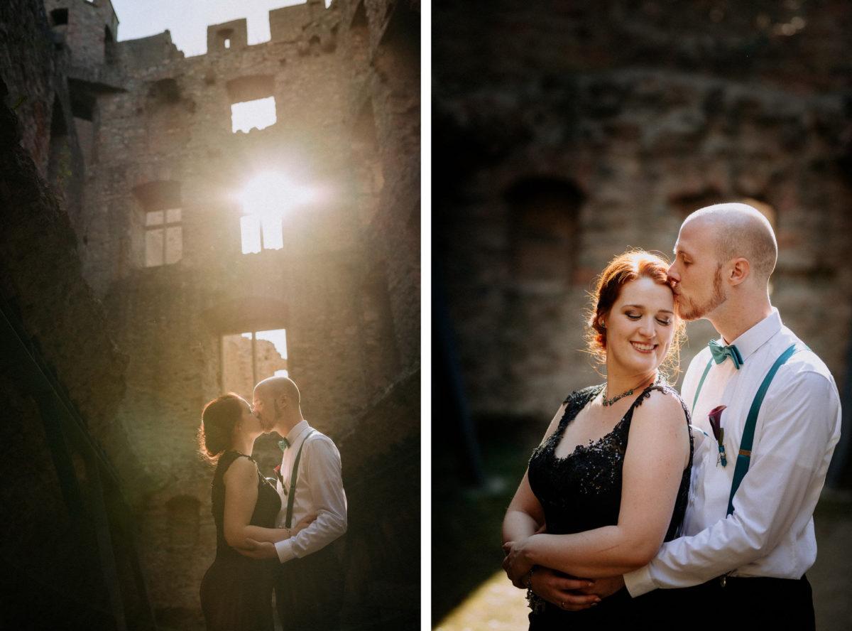 Hochzeitsfotos, Sonne, Gemäuer, Schloss Auerbach, Bensheim, Hochzeitslocation, Brautpaar, Kuss