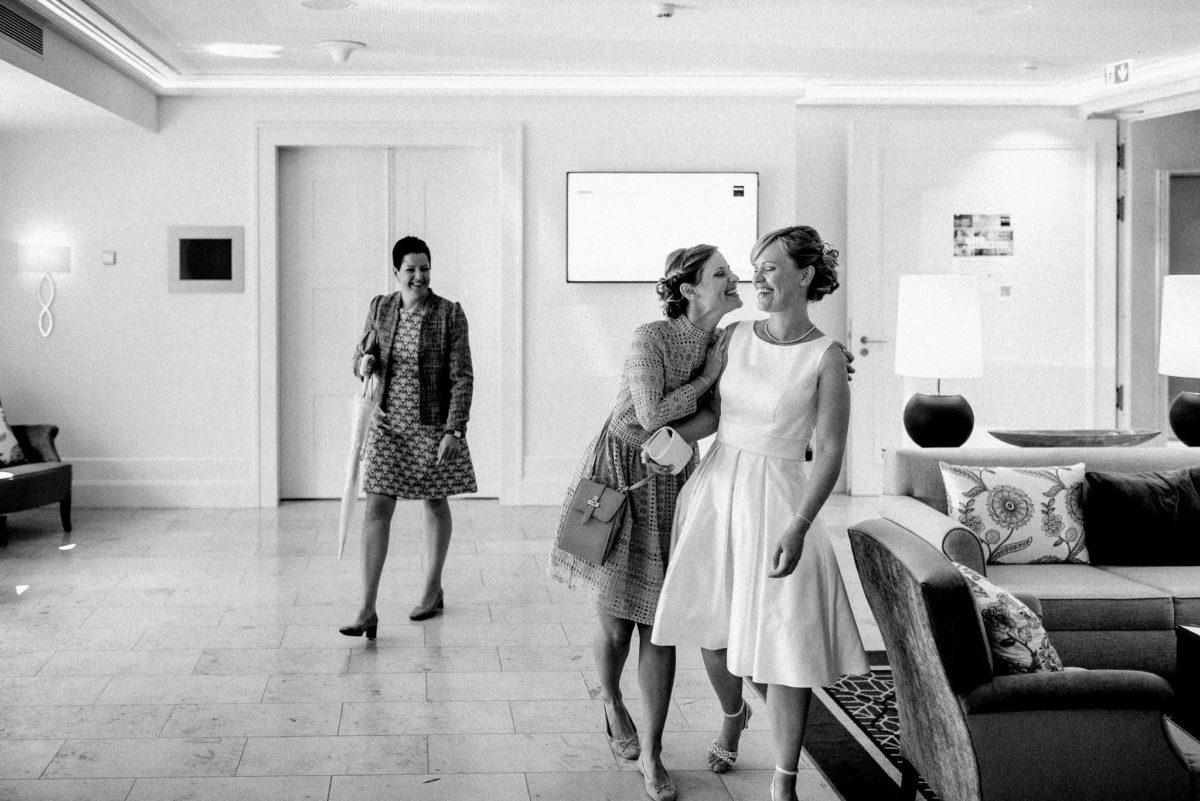 Hochzeit, Braut, Brautkleid, Lachen, Freude