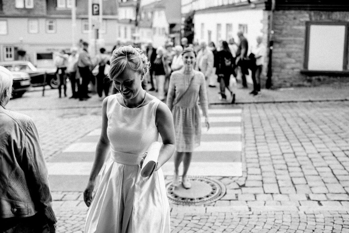 Braut, Gäste, Hochzeit, Zebrastreifen, Gulli
