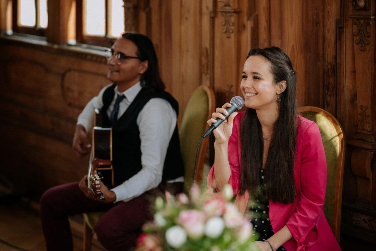 Hochzeit, heiraten, Hochzeitsfotografie, Musik, Sängerin, Gitarre