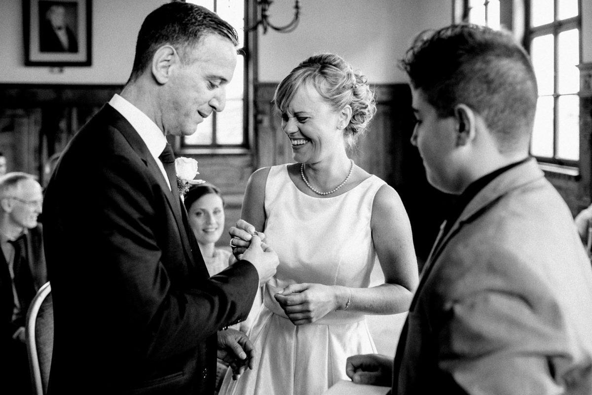 Ringtausch, heiraten, Hochzeit, Brautpaar, Standesamt, Trauung