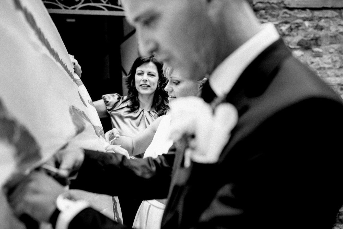 heiraten, Hochzeitsfotografie, Brautpaar, schneiden