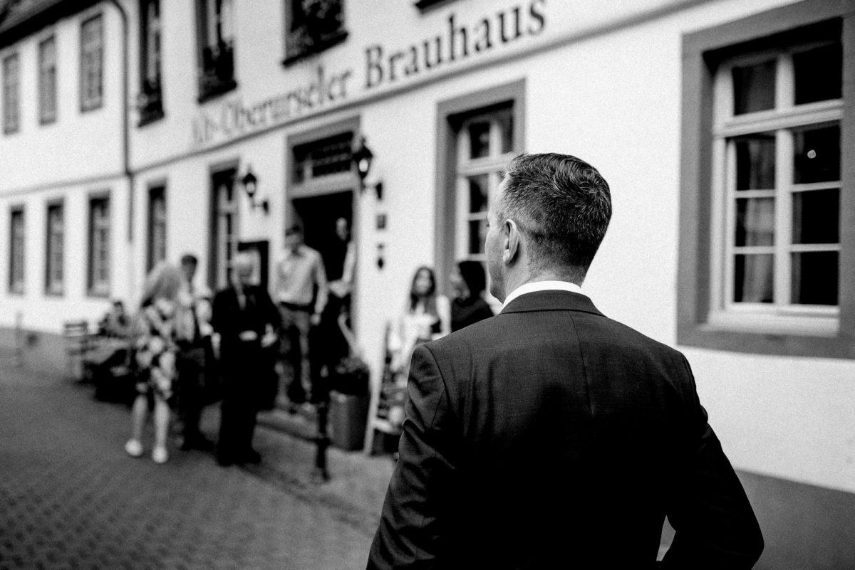 Feierlocation, Hochzeitslocation, Alt-Oberurseler Brauhaus, Kopfsteinpflaster, heiraten, Hochzeitsfotografie