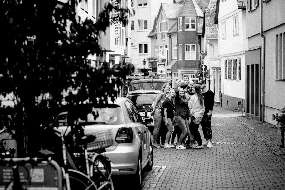 Altstadt, Oberursel, Hochzeitsfotografie, Selfie, Gäste