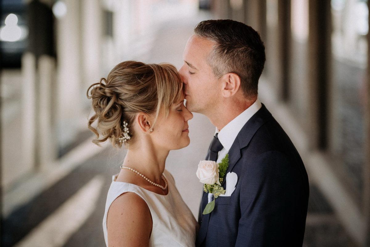 heiraten, Hochzeitsfotografie, Brautpaar, Kuss, Liebe