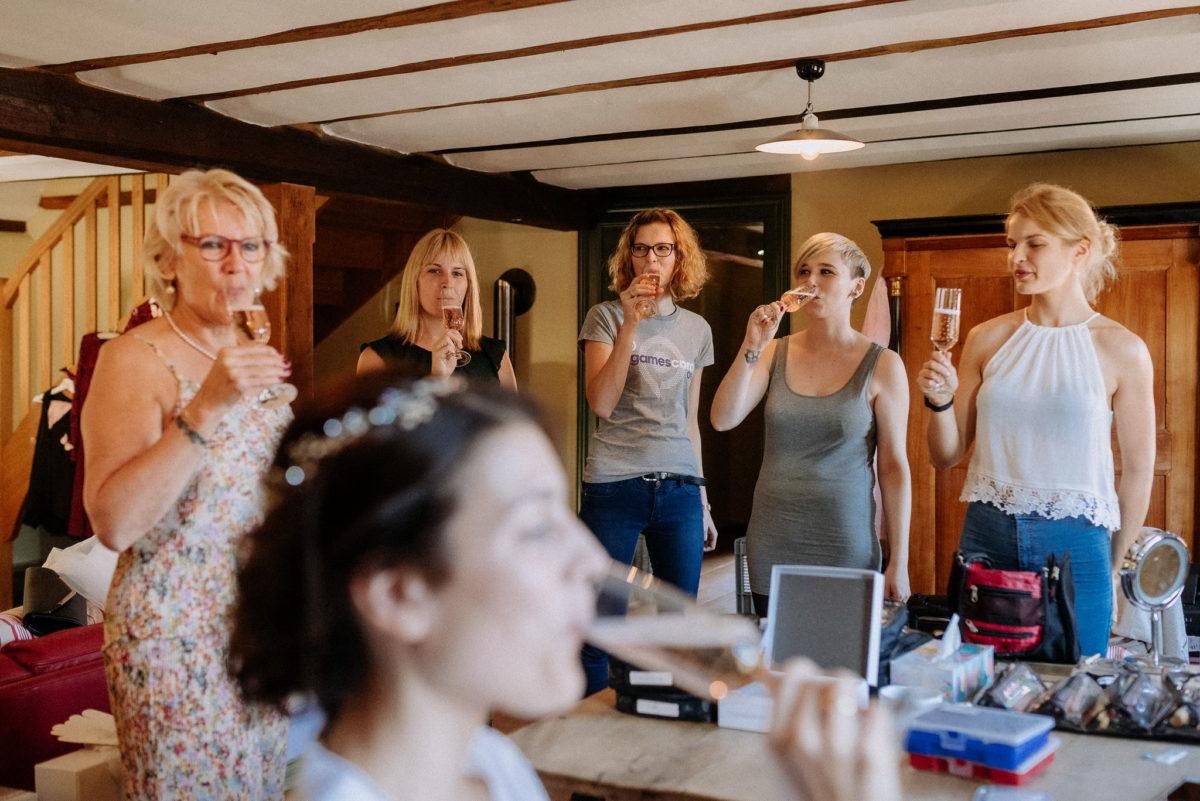 Bridemaids, Brautmama, Getting Ready, Prosecco, Sekt, Einstimmen, Warm-Up,