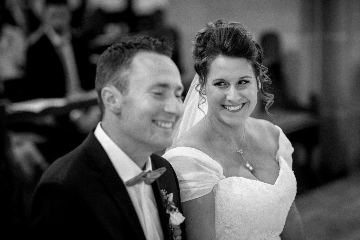 Brautpaar, lächeln, heiraten, Hochzeitsfotografie