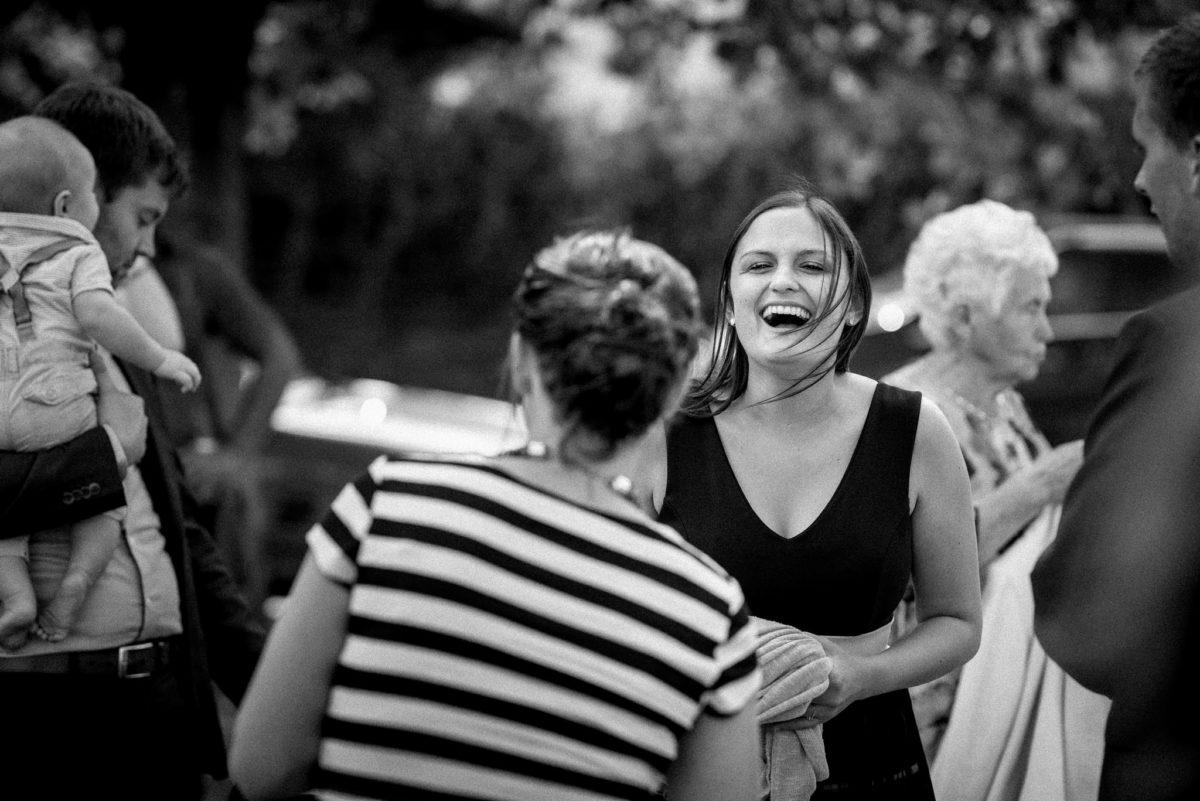 Hochzeitsfotografie, heiraten, Lachen, Freude, Baby, Kleid, Streifen