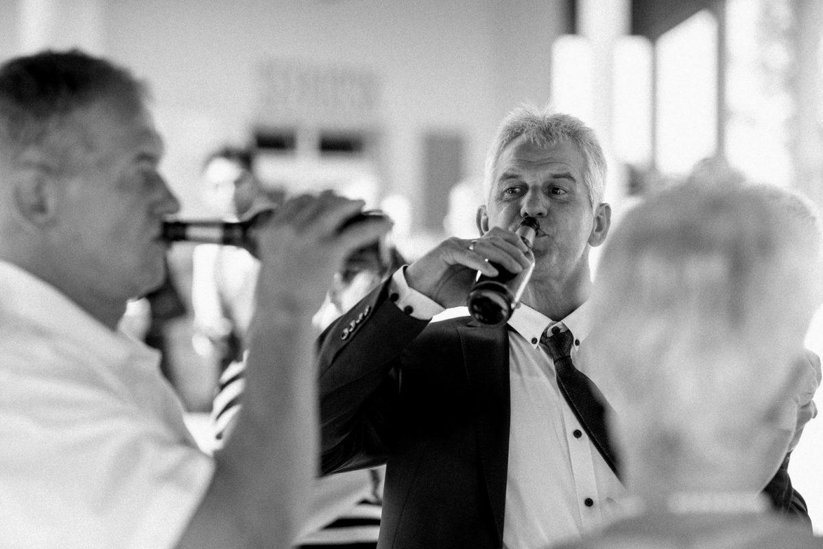 heiraten, Hochzeitsfotografie, Bier, Männer