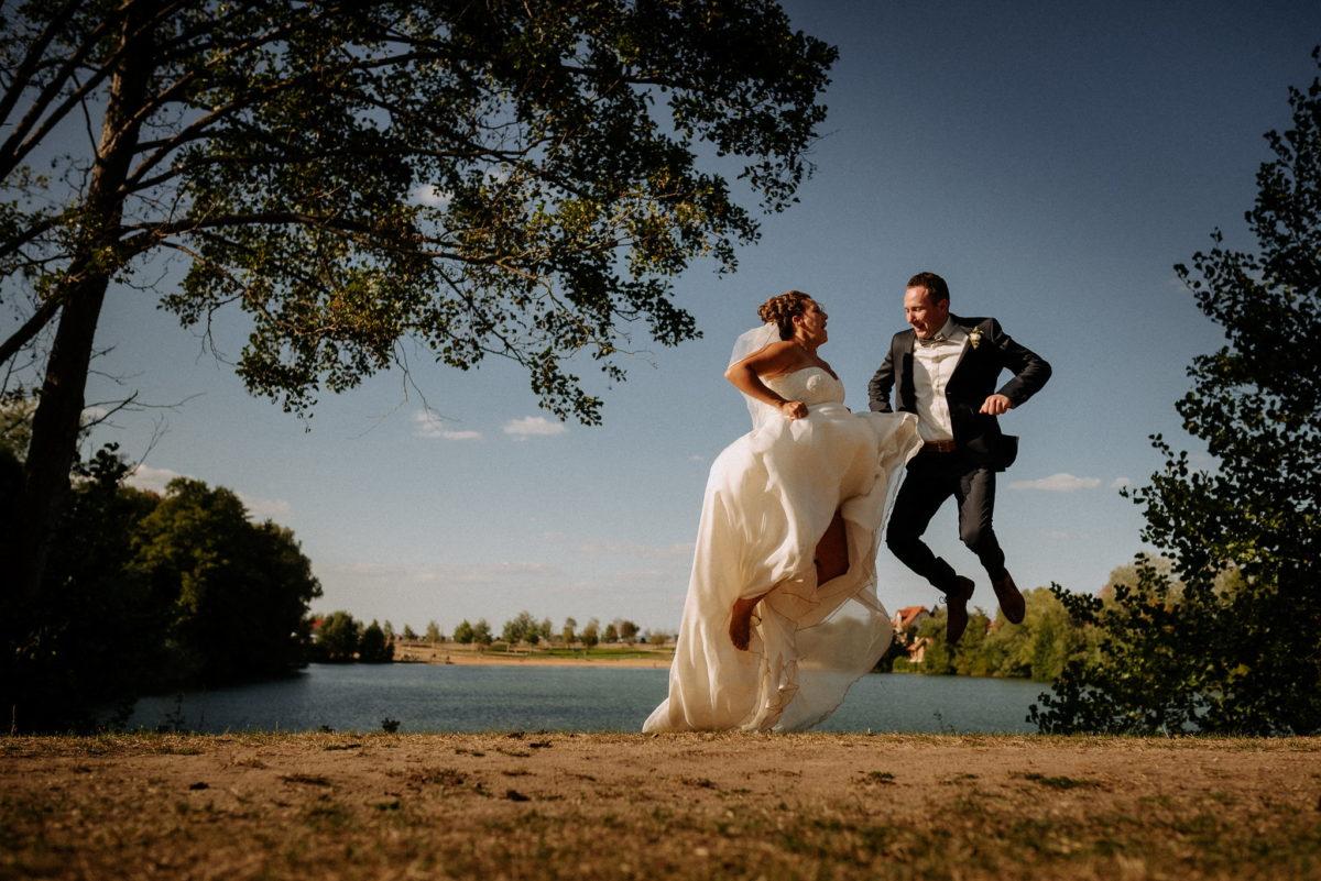 Hochzeitsfotografie, heiraten, Brautpaar, Honisch Beach Niedernberg, See