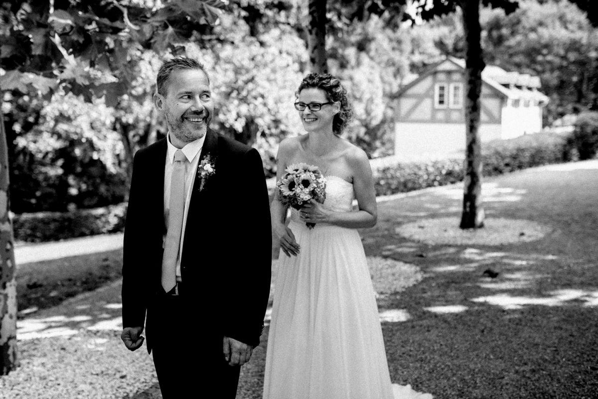 Hochzeit, heiraten, Hochzeitsfotograf, Brautpaar, Braut, Bräutigam, schwarzweiß