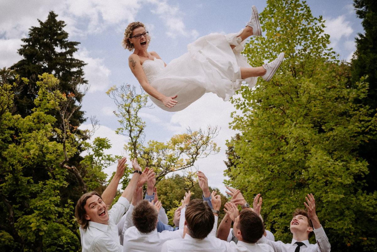 Hochzeit, heiraten, Hochzeitsfotograf, fliegende Braut, Hochzeitsbilder